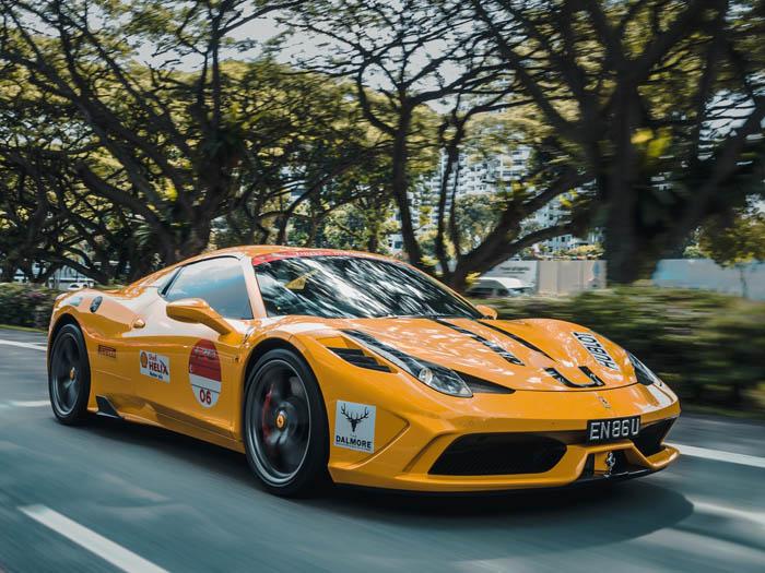 【2社目:電気自動車とスポーツカーのカスタマイズショップ】